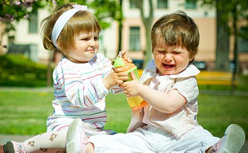 Почему ребенок дерется в детском саду?