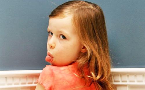 Ребенок дерется в детском саду: что делать родителям?