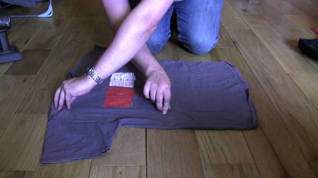 Японский метод складывания футболки