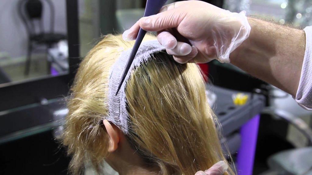 Подготовка к осветлению волос.